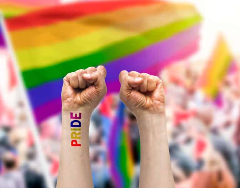 De la Hongrie à Paris : mobilisation pour les droits des LGBT+
